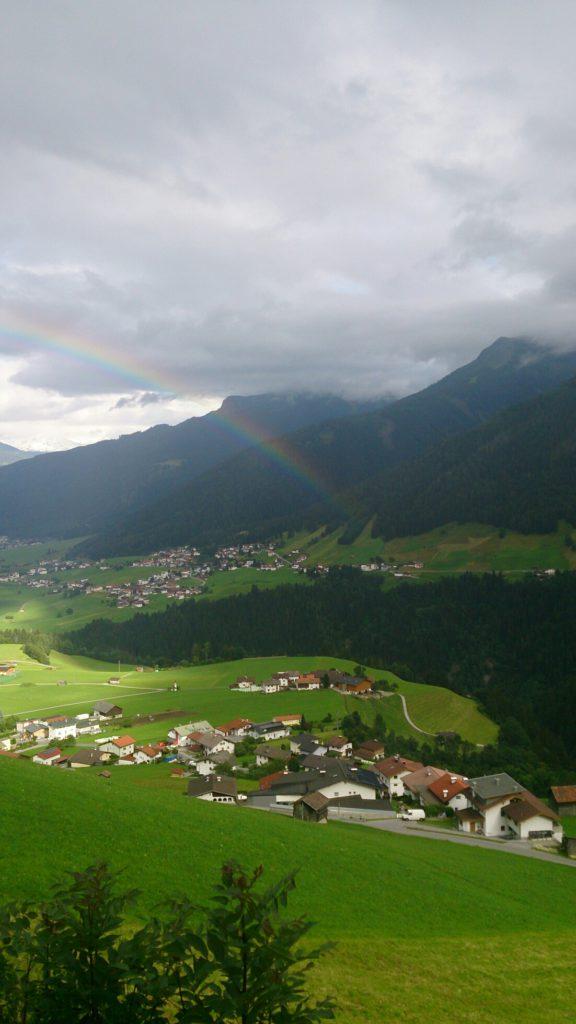 verschiedenArt: Kurzausflug nach Zirl - Regenbogen im Tal