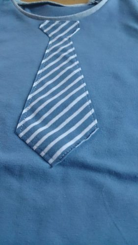 verschiedenArt: Shirt für Jungs mit aufgenähter Krawatte