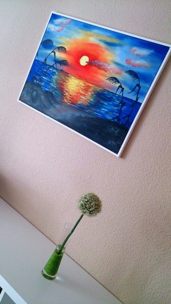 """Selbstgemalt:""""Zauberhafte Lichtmomente"""" Ölgemälde auf Leinwand, selbst gerahmt (perspektivisch abgebildet mit Deko und Sideboard im Vordergrund)"""