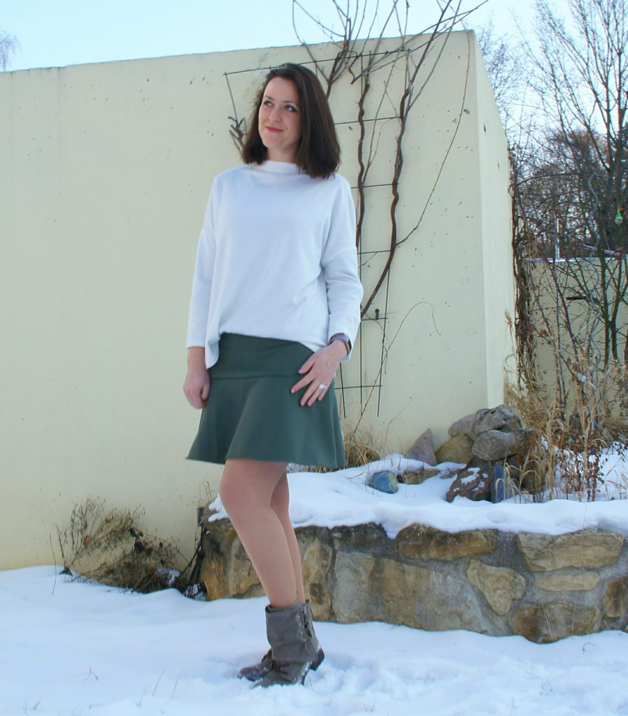 Selbstgenähter Softshell Rock in grün