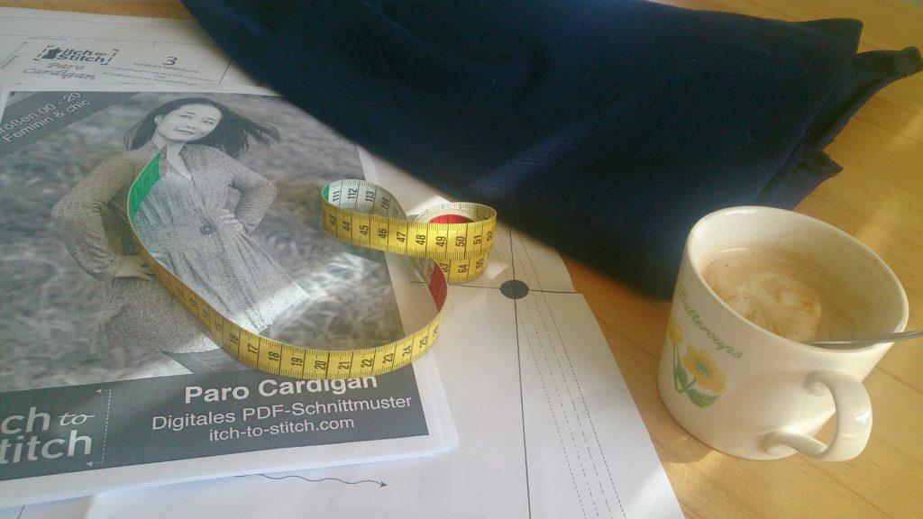 verschiedenArt: Cardigan Paro in Arbeit
