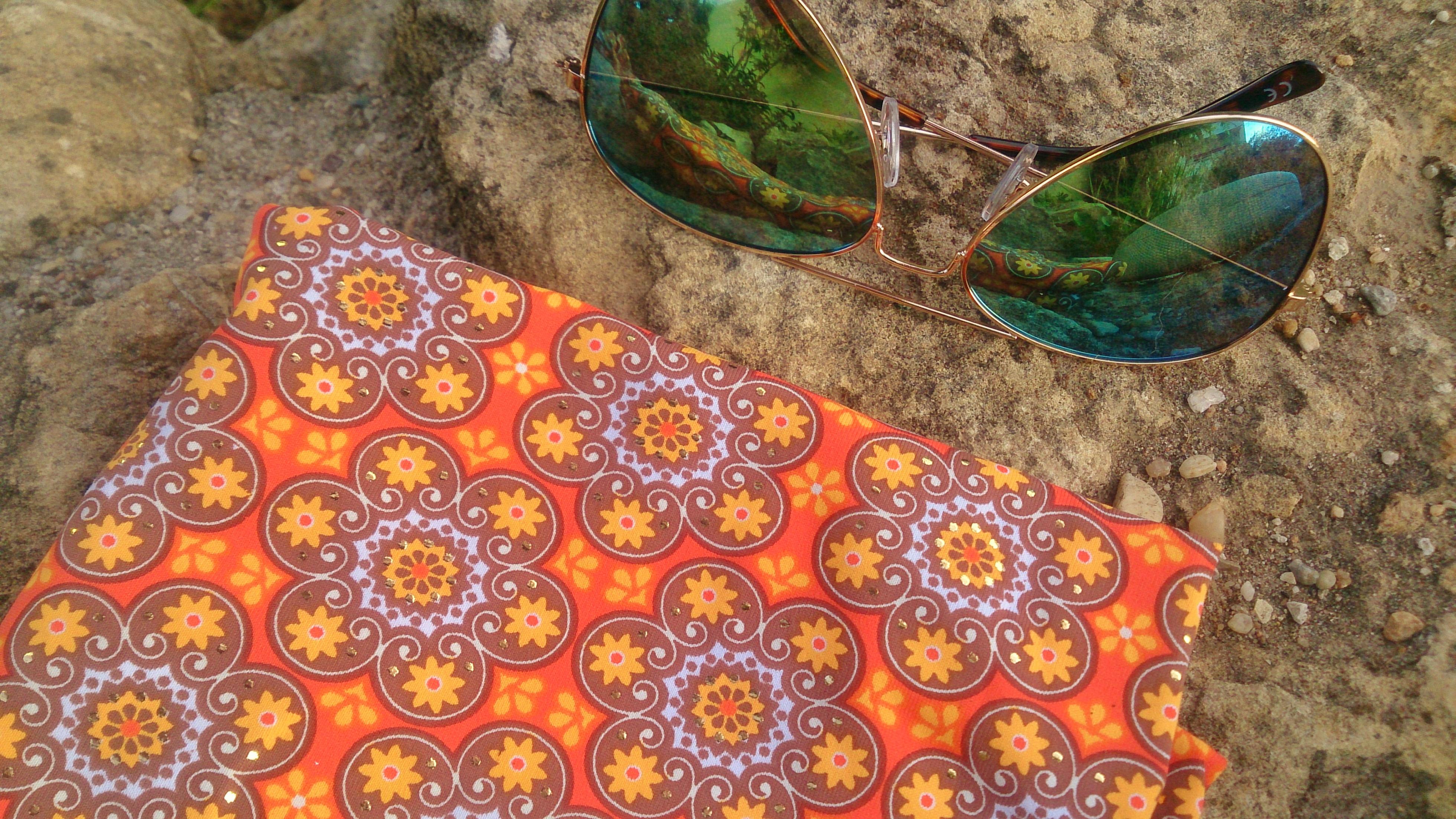 verschiedenArt: Bademodenstoff für den Bikini