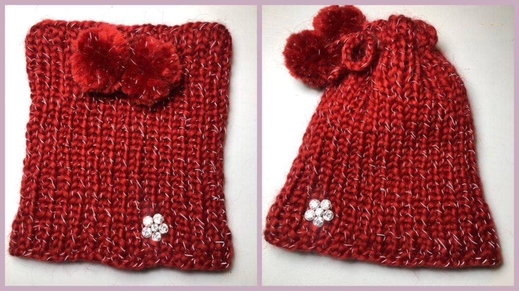 Eine Kollage aus 2 Bildern: dieselbe 2in1 Loopmütze aus Bordeaux roter Glühwürmchenwolle einmal als Loop und einmal zur Mütze umfunktioniert.