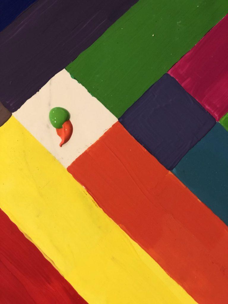 Zwei Streifen treffen sich. die Überlappung wird eine Mischung aus beiden sich berührenden Farben.